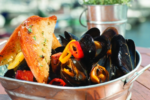 Pan Roasted Mussels, Latitudes